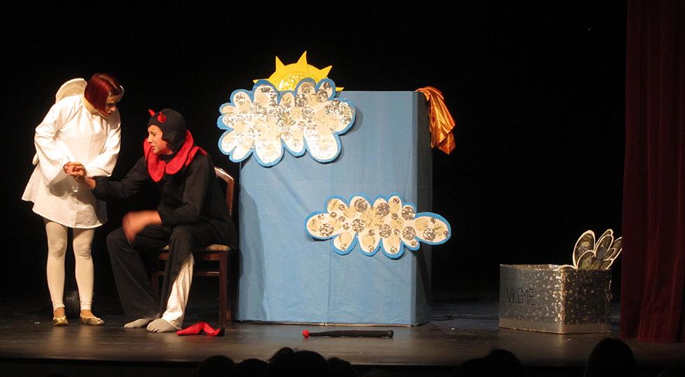 Predstava - V Miklavževem plašču